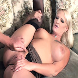 Wife Lovers : Blonde Wife gets Sprayed